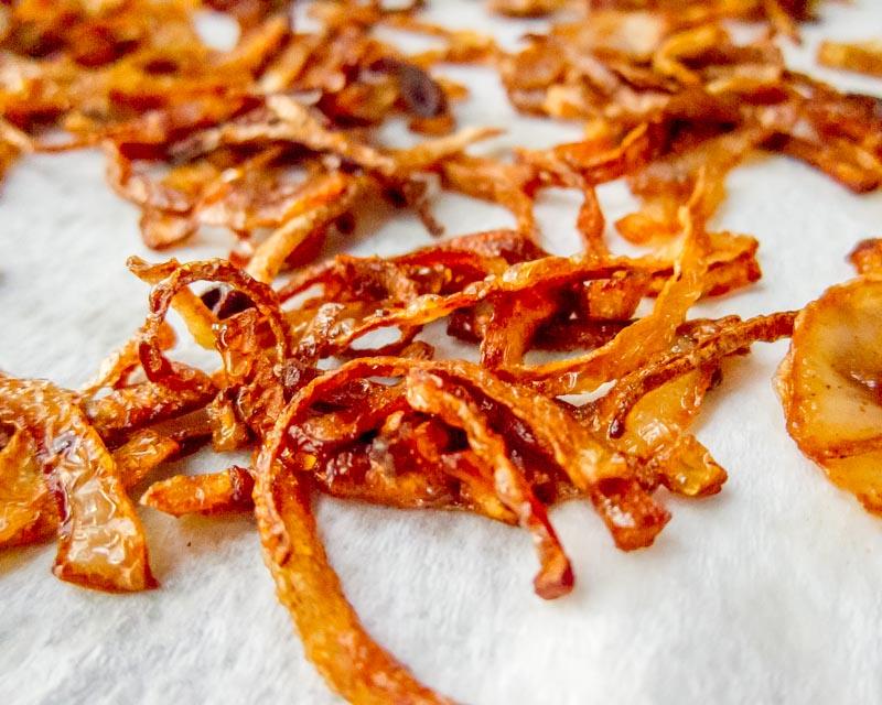 cronions, crispy onions for pylsur